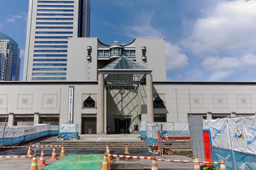 横浜美術館前は工事中