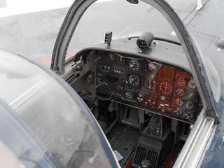 Beech T-34 Mentor: Cockpit #1