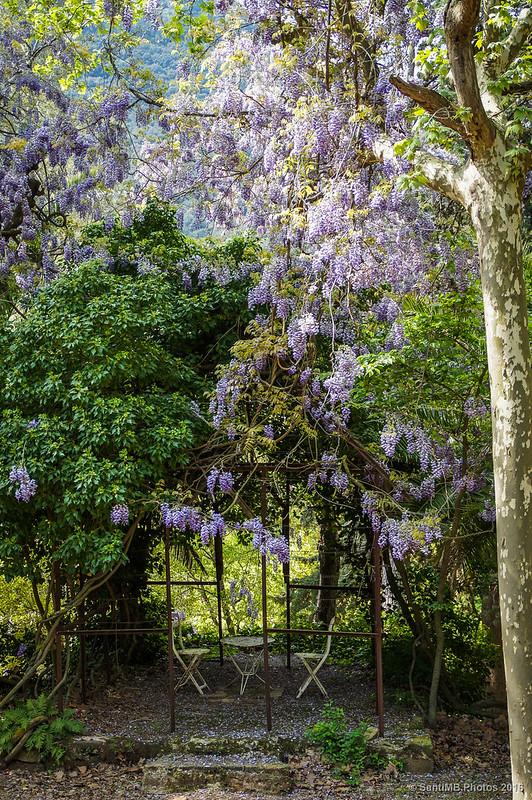 Un rincón del jardín de Mas de Forès, en Alcover