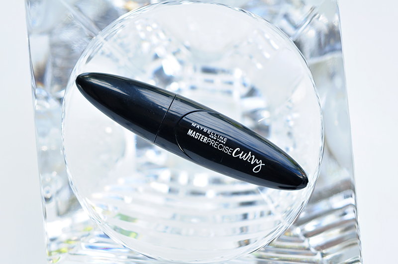 stylelab-maybelline-master-precise-curvy-liner-1