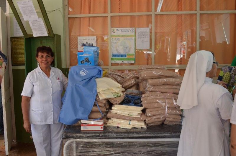 14-09-25-entrega-donaciones-02