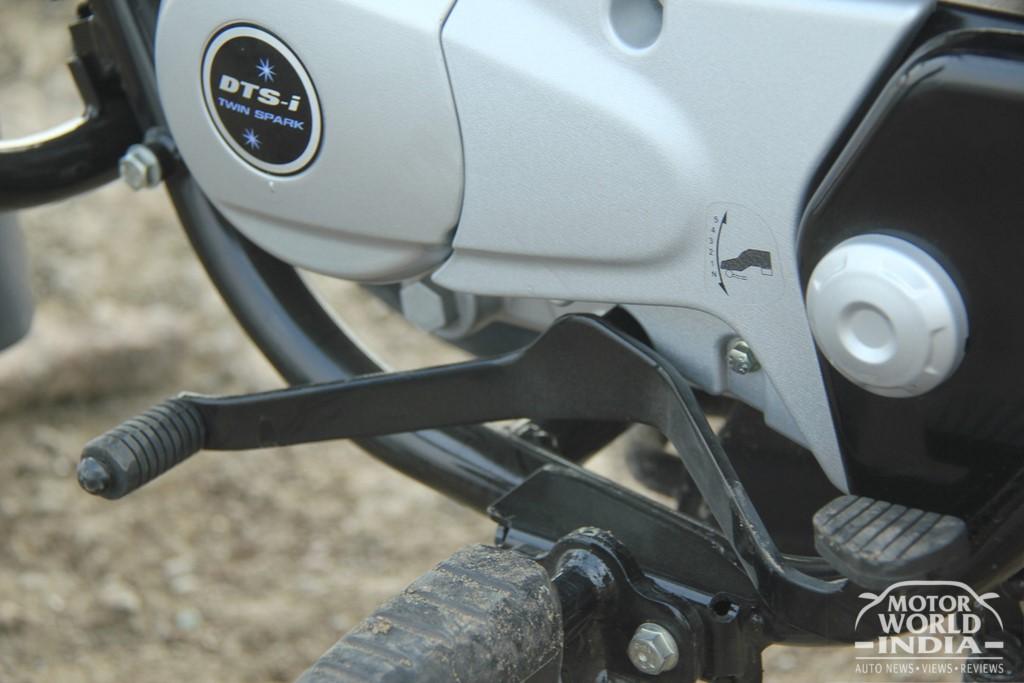 Bajaj-V12-Gearbox (3)