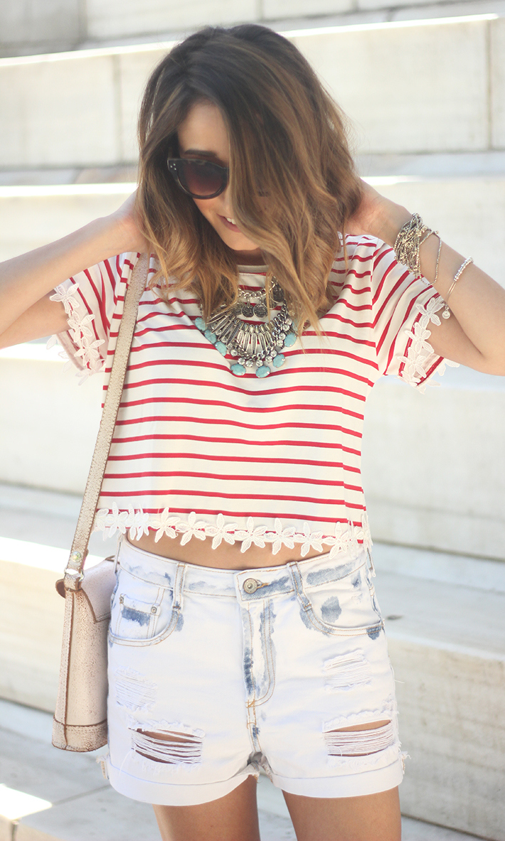 Striped T-Shirt With Denim Shorts06
