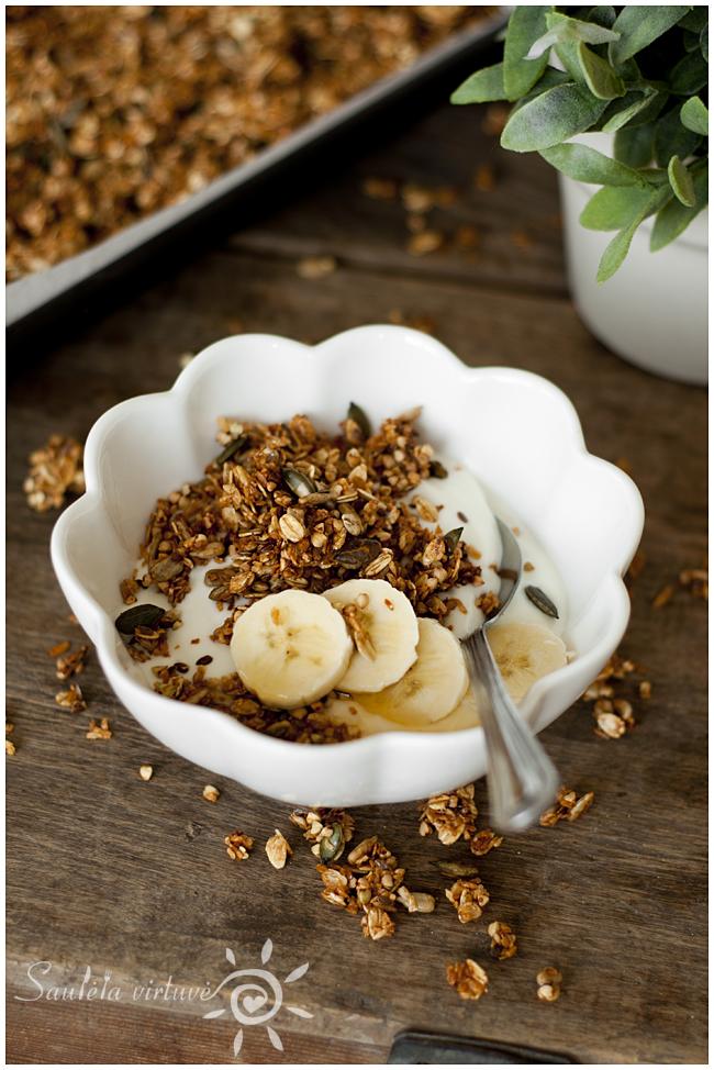 Grikių granola (1)