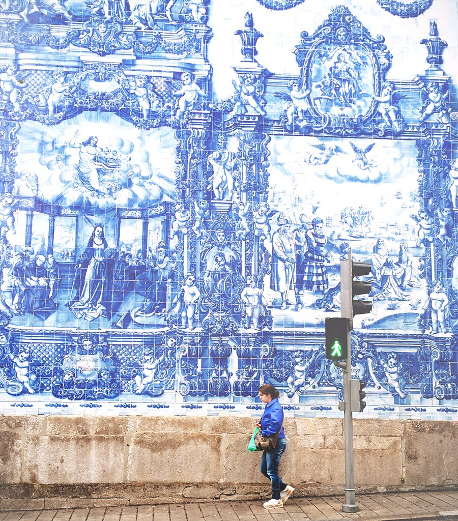 Capture the Color 2016 - Blue, Porto | via It's Travel O'Clock