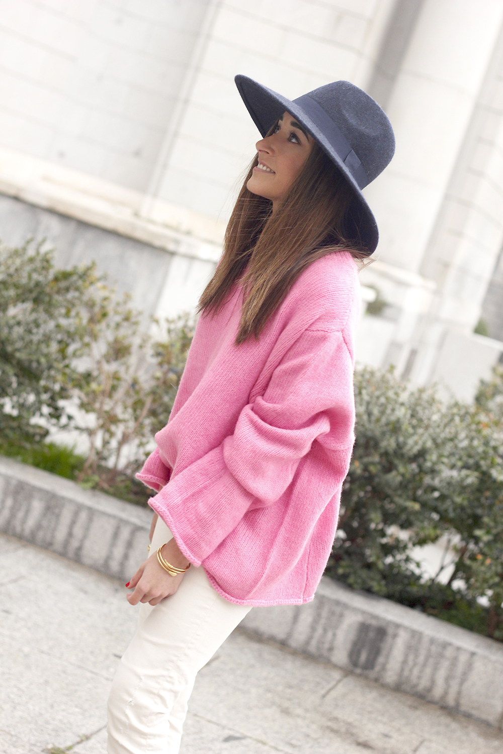Pink Sweater white ripped jeans blue velvet heels hat uterqüe accessories style fashion outfit10