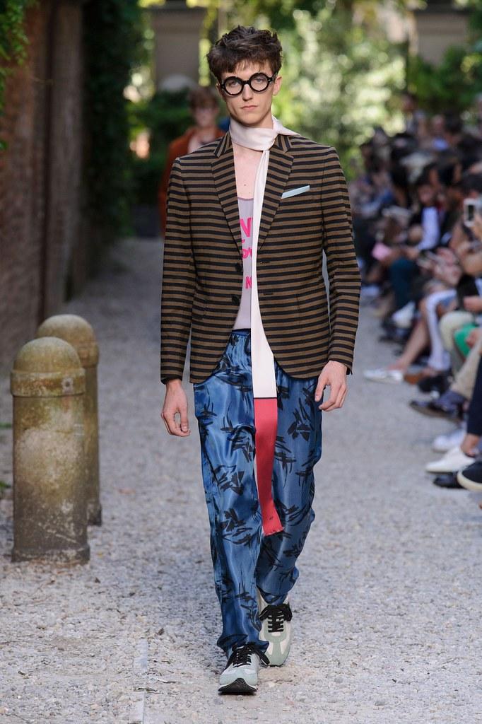 SS16 Milan Andrea Pompilio019(fashionising.com)