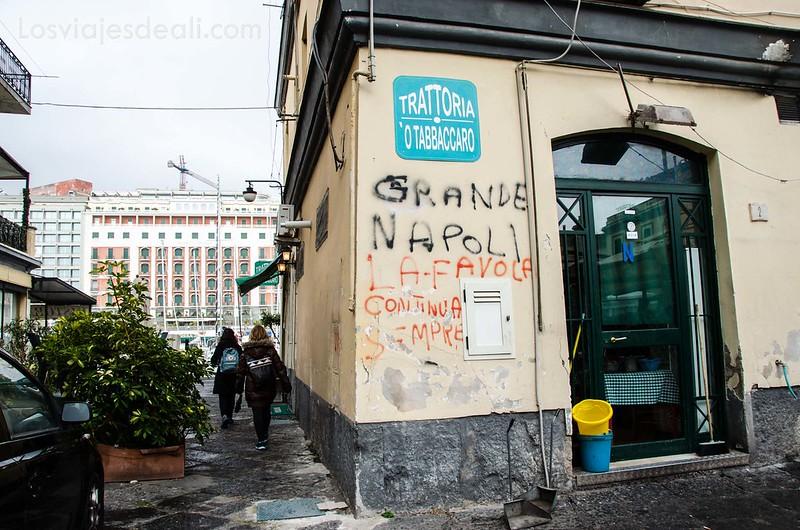 restaurantes en paseos por Nápoles
