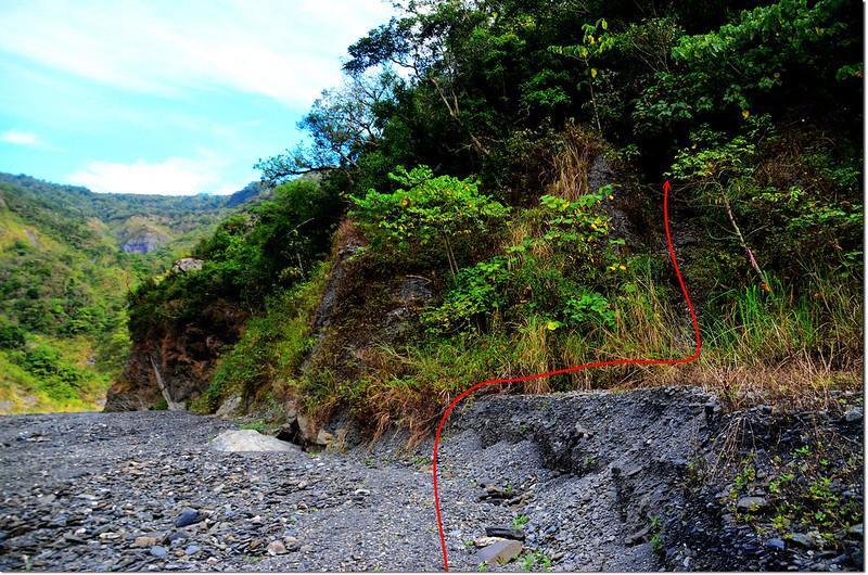 吐蛇流西北峰河床登山口 2