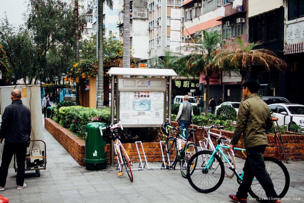 無標題  《假如讓我泊下去2 九龍中西篇》﹣香港市區單車位的幻想影集 18069422584 8780c60784 o