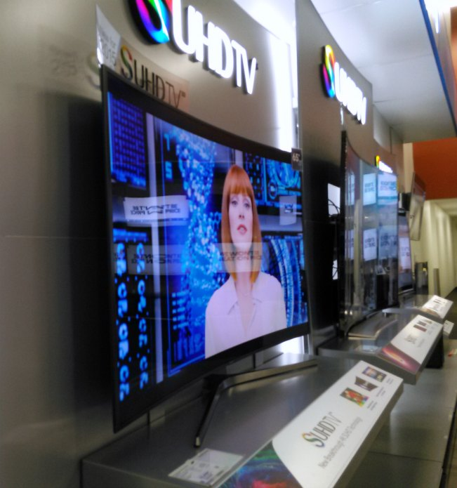 jurassic world exclusive content reveal samsung suhd tv best buy