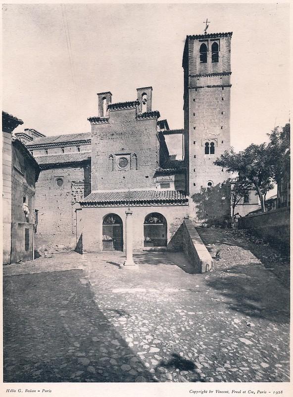 Iglesia de Santiago del Arrabal y Plaza de la Estrella, Toledo.  Del libro Petits Édifices, publicado en Paris en 1928 por los editores Vincent, Fréal et Cie.