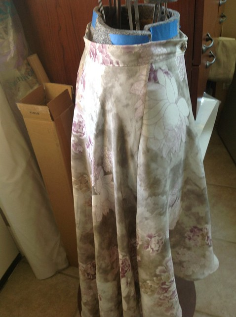 Cascade skirt - side swing