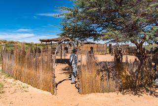 Traditionelle San-Siedlung (Nachbau)