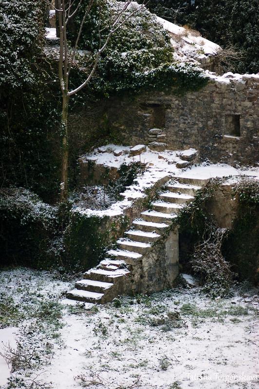 Во внутреннем дворе крепости