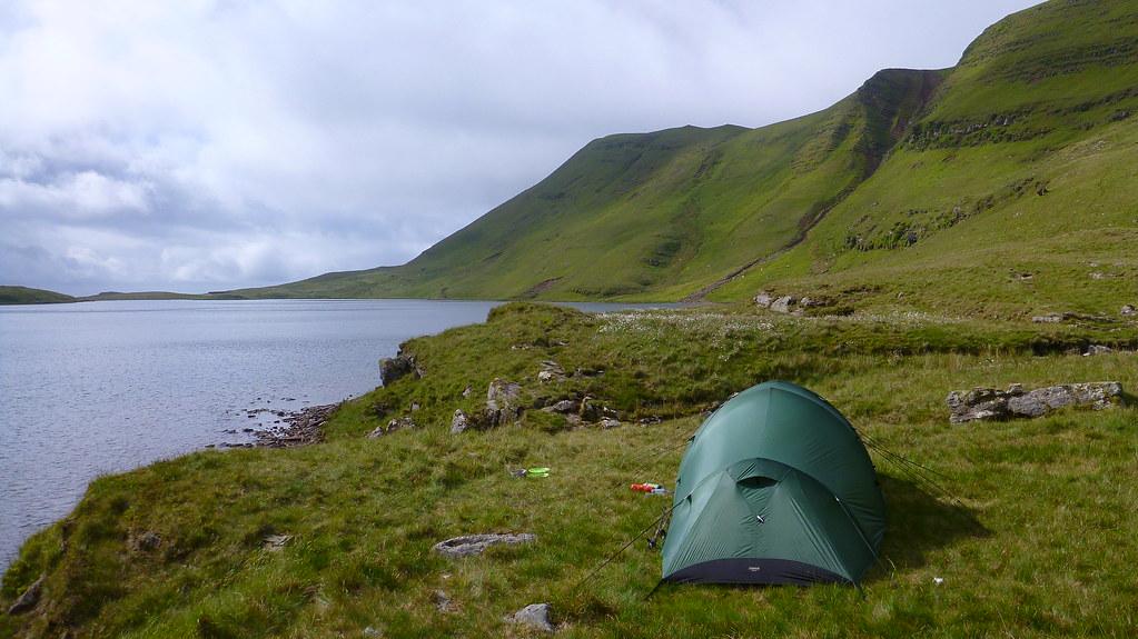 fan hir, black mountain, llyn y fan fach, llyn y fan fawr, wild camping, backpacking, bannau sir gaer, fan brycheiniog, pwll y cig, disgwylfa