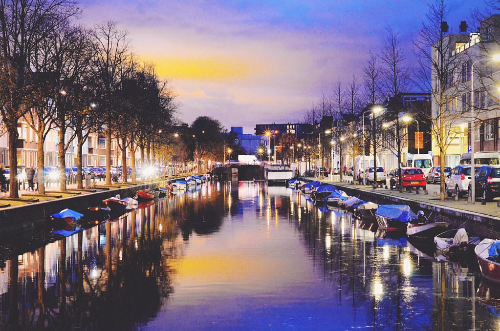 The Hague (Den Haag) by Night | via It's Travel O'Clock