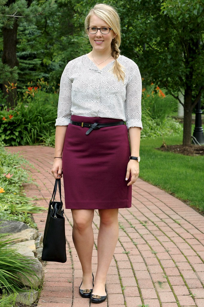 maroon pencil skirt with white blouse