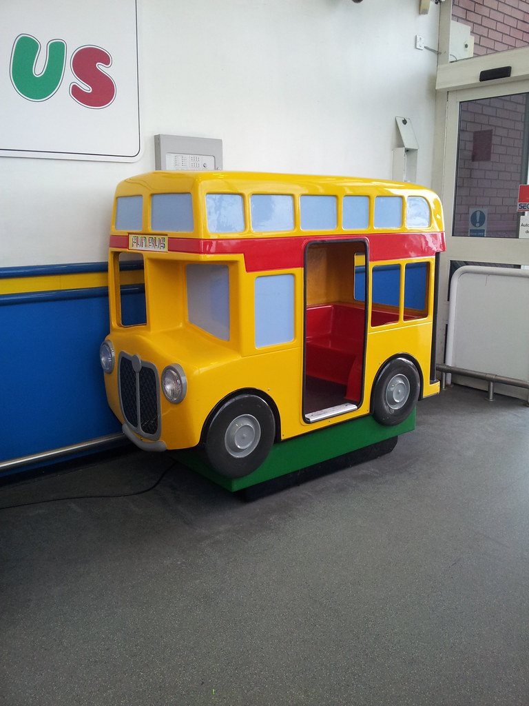 Toys R Us Ride : Yellow red city fun bus rides at stockport peel centre t
