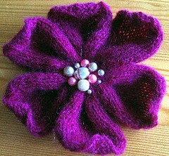 Pattern: Knitted flower | by Strikkelise