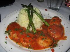 "Scallops ""Diabolo:"" Sea scallops in a spicy ""Diablo"" sauc..."