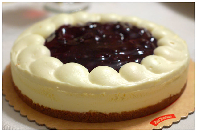 blueberry cheesecake | One of the 3 perennial pies that we e ...
