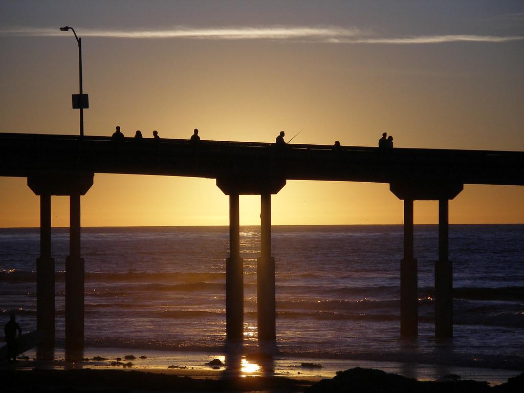Ocean beach fishing pier ocean beach pier san diego for Pier fishing san diego