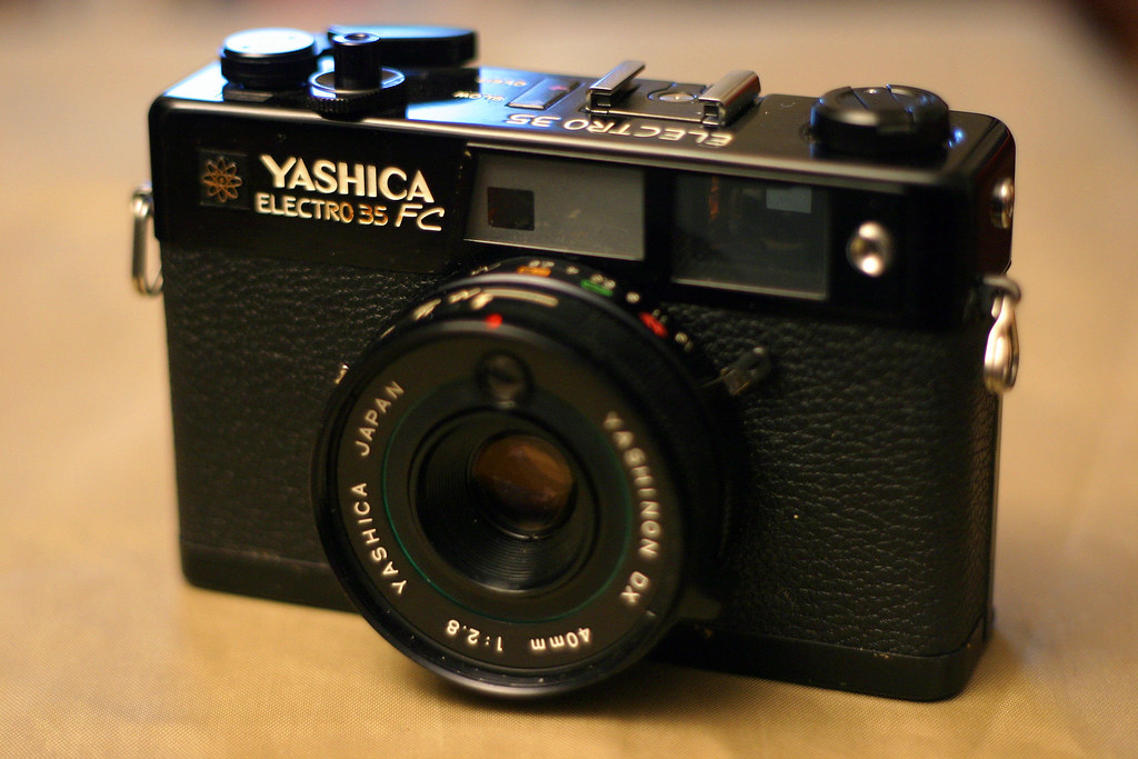 Yashica Guy 72