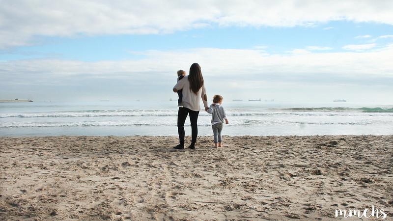 foto familia en playa Pinedo