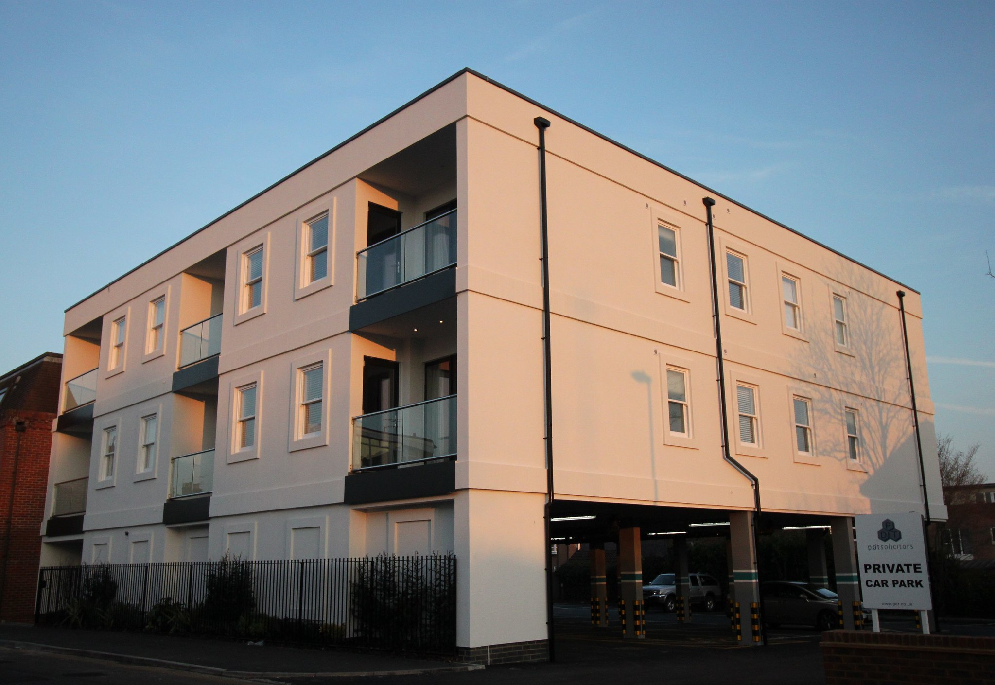 Flats in Queensway, Horsham
