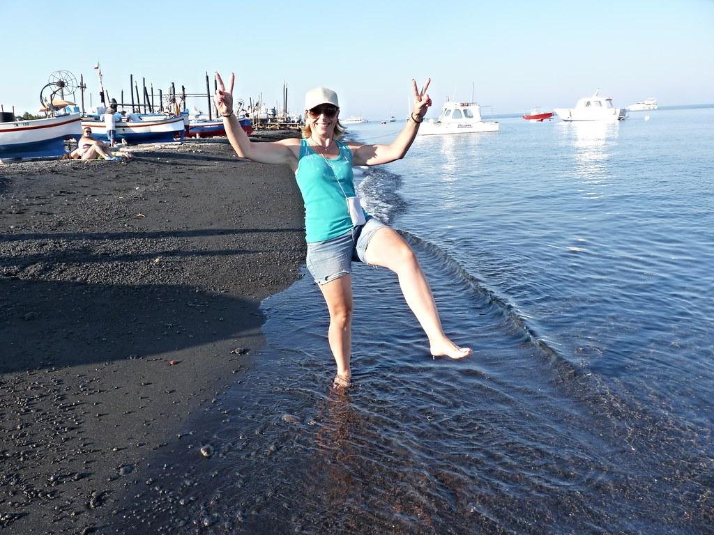 Stromboli isole eolie sulla spiaggia di cenere vulcani for Cenere vulcanica