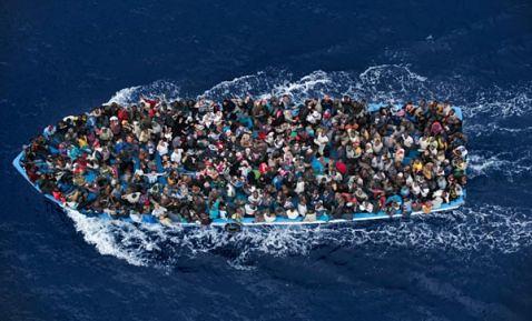 Italia colapsada, casi 5 mil inmigrantes en 48 horas