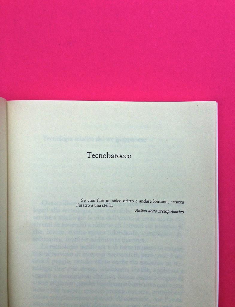 Mario Tozzi, Tecnobarocco. Einaudi 2015. Responsabilità grafica non indicata [Marco Pennisi]. Pagina dell'esergo, a pag. 1 (part.), 4