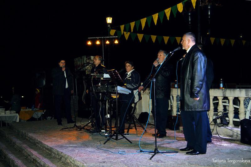 """Выступление группы """"Stari kapetan""""  на фестивале"""