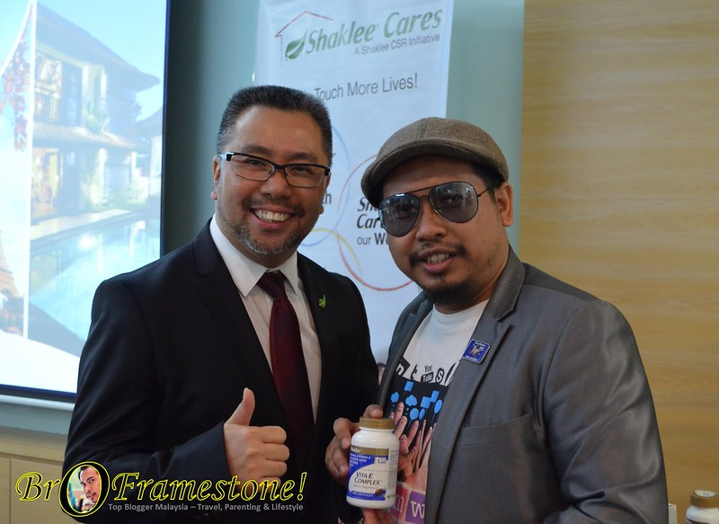 General Manager Shaklee Malaysia, Mr Victor Lim Blogger di HQ Shaklee