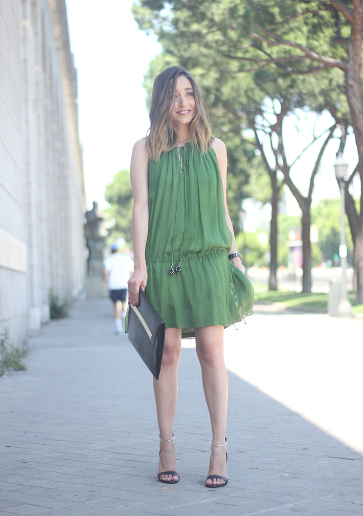 Green Dress04