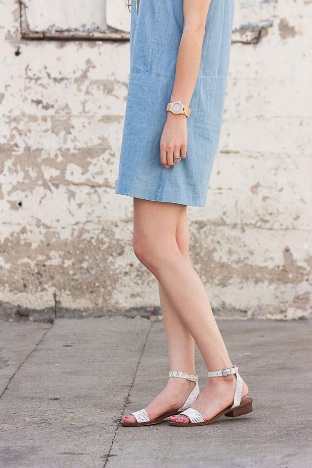 Madewell Sandals, Jord Watch, Everlane Chambray Dress