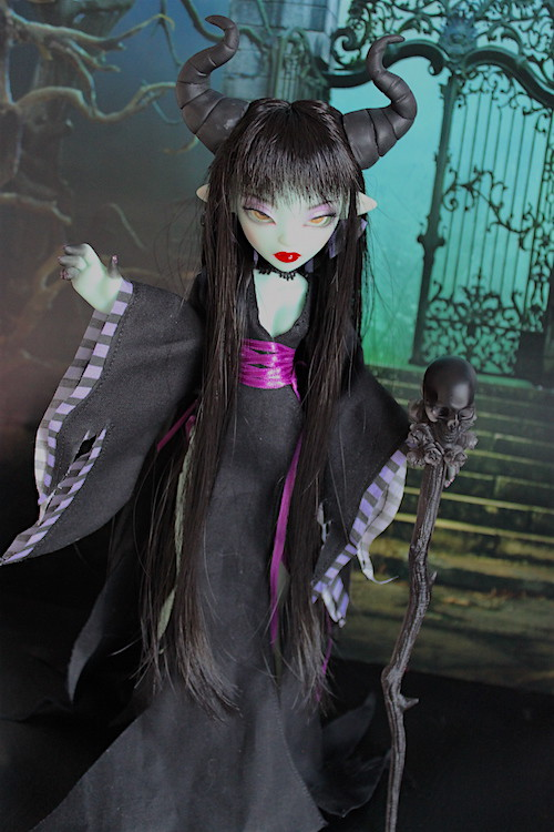 Maleficient (Papaye from Fairytales Treasures Dolls) 32819620732_d662f25489_b