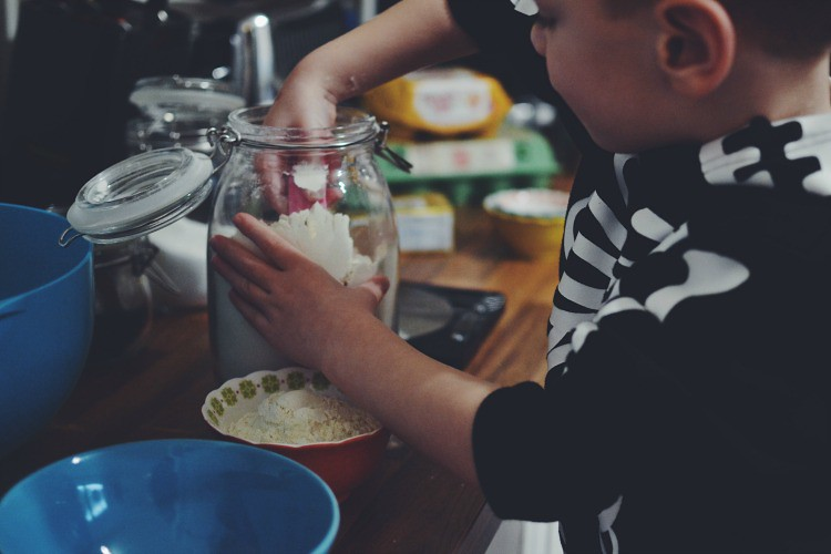 making cookies - Home Life Project