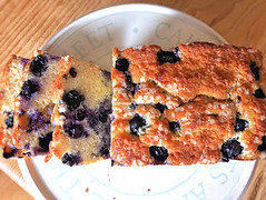 Mascarpone blueberry cake