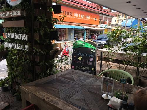 今日のサムイ島 1月18日チャウエンのカフェとムスリムフードレストラン
