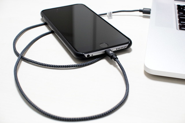 anker_lightningcable_04
