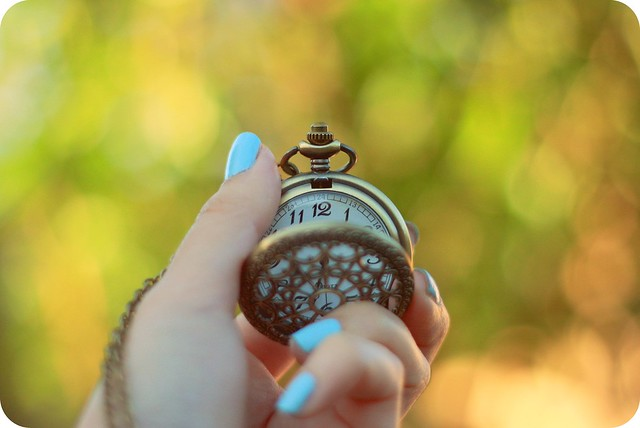 """Turn Back Time"" vintage-style pocketwatch necklace (ModCloth)"