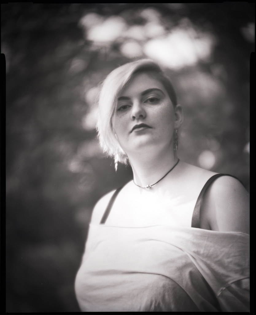 Zoe with Petzval lens
