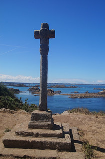 100 La Croix de Maudez