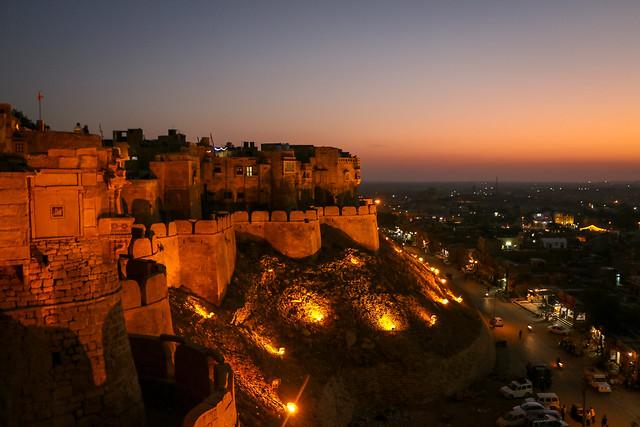 Jaisalmer Fort after sunset, Jaisalmer, India 日没後のジャイサルメール・フォート