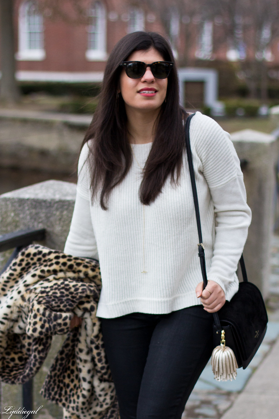 leopard fur coat, black coated jeans, white sweater, red pumps-8.jpg
