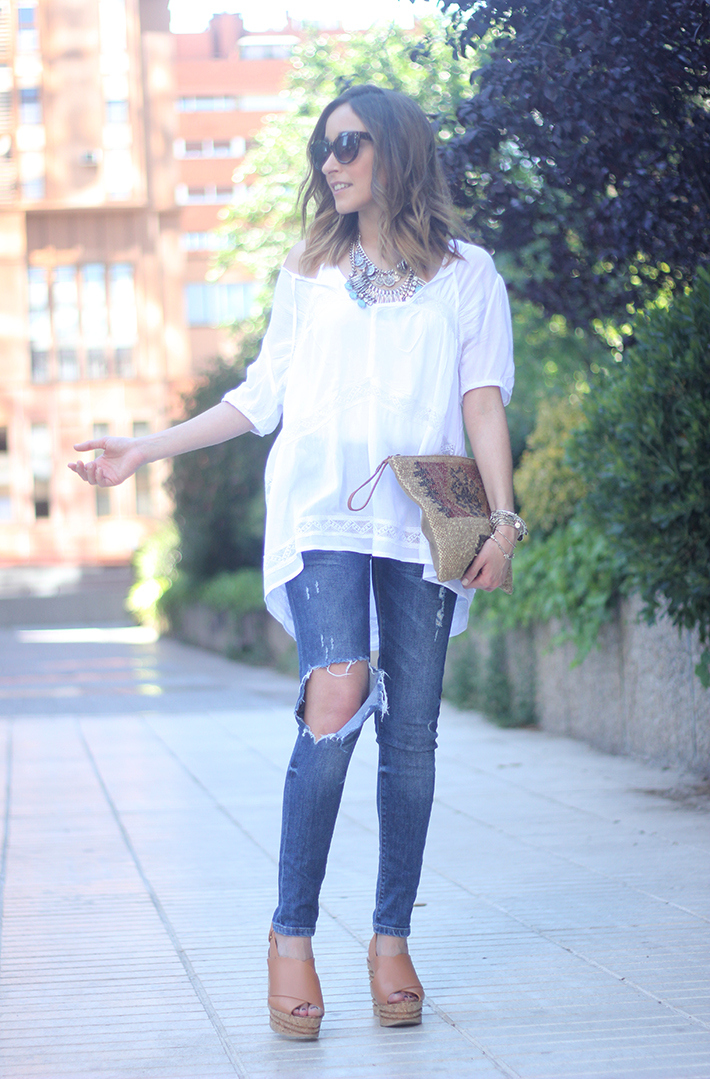 White Blouse Denim Jeans Outfits Summer Wedges Sheinside 02