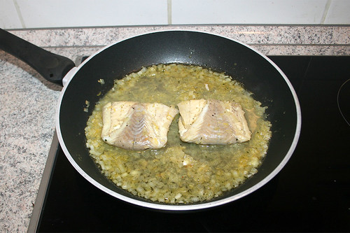 46 - Seelachsfilets gar ziehen lassen / Poach coalfish