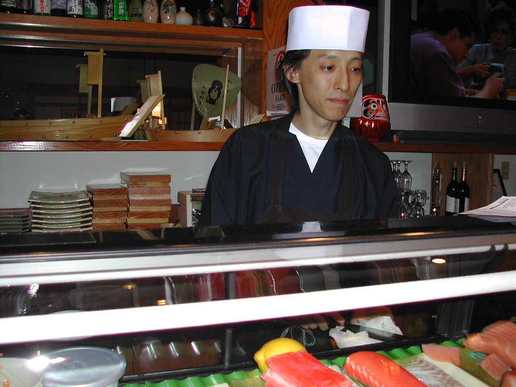 chef and mgr This executive chef job description template is optimized for posting on online job boards or careers pages and is easy to customize for your company.